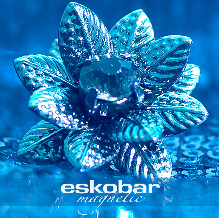 Eskobar-Magnetic-Cover-center-768x767.jpg